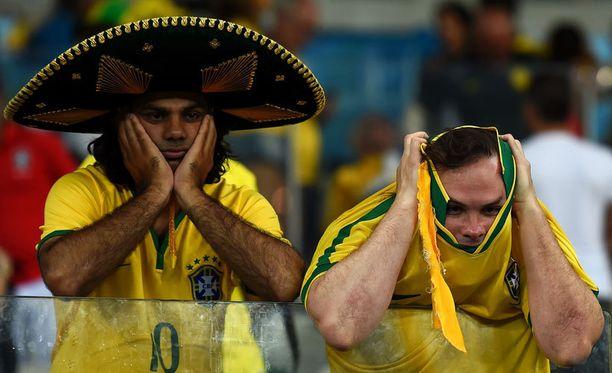 Ei hyvältä näytä, brasilialaiskaksikko tuumi pelin aikana.