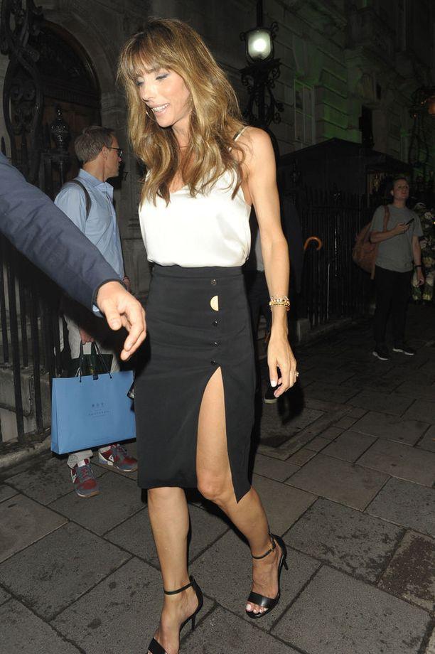 Jennifer Flavin ikuistettiin lomakuviin heinäkuun alussa Lontoossa.
