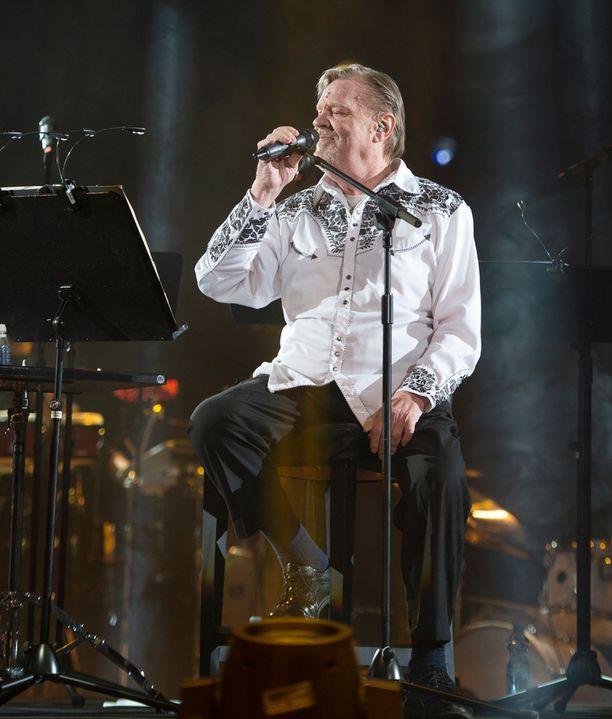 Vesa-Matti Loiri konsertoi parhaillaan Helsingin Hartwall Arenalla.