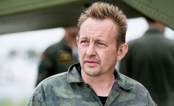 Tanskalaiskeksijä Peter Madsen odottaa vankilassa tuomiotaan.