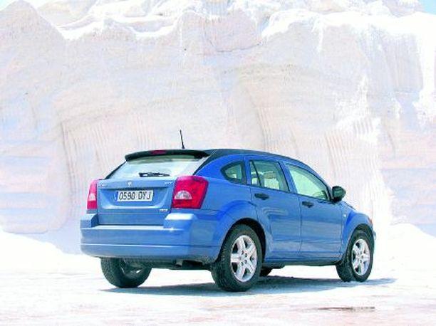 Muodossa on ripaus coupea ja käytössä aimo annos tila-autoa.