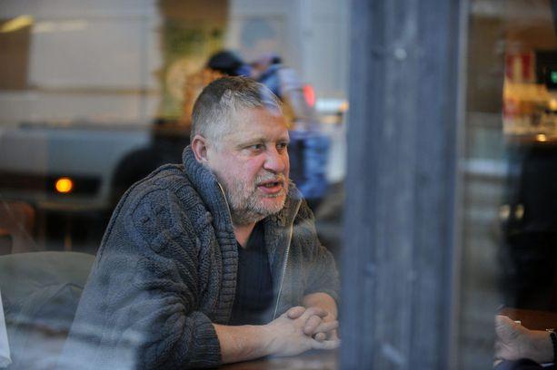 Näyttelijä Kari Väänäsen pesti Rovaniemen Teatterissa päättyi irtisanoutumiseen helmikuussa.