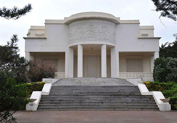 Tämän villa Souzannan tuore aviopari omistaa.