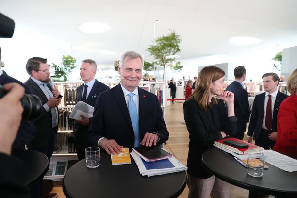 Antti Rinne kertoi ministerijaosta maanantaina kirjasto Oodissa. Nimiä kuultiin tiistaina.