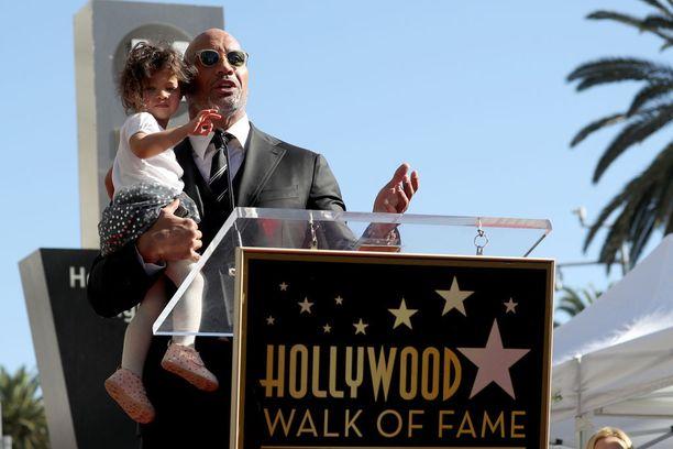 Dwayne Johnsonin Jasmine-tytär päätyi teho-osastolle viikonloppuna.