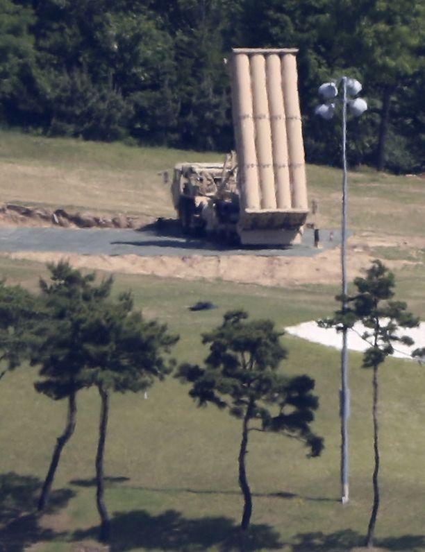 Yhdysvaltain Etelä-Korealle toimittama THAAD-patteri entisellä golfkentällä Seongjun kaupungissa.
