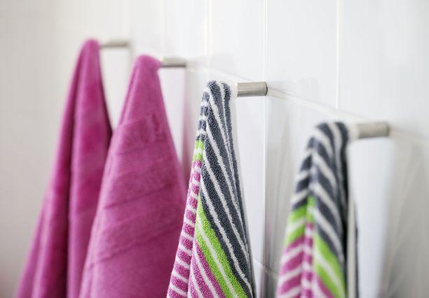 Samaa pyyhettä ei voi käyttää montaa kertaa ilman sen pesua välissä.