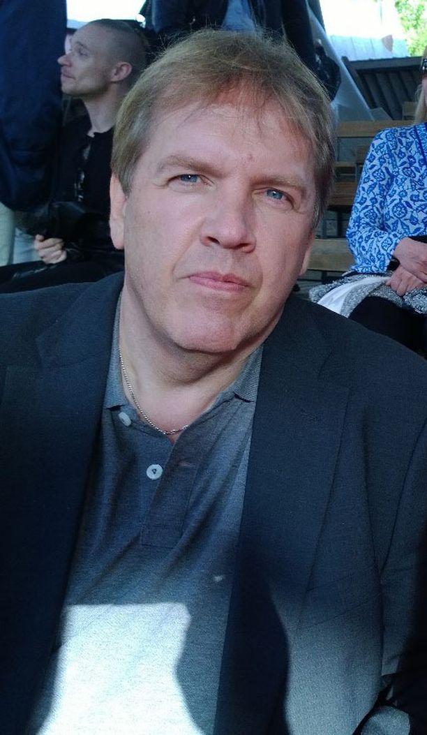 Kristillisdemokraattien Jukka Salmen puoluejohdon harkintakyky petti, kun lähdettiin vaaliliittoon Paavo Väyrysen kansalaispuolueen kanssa.