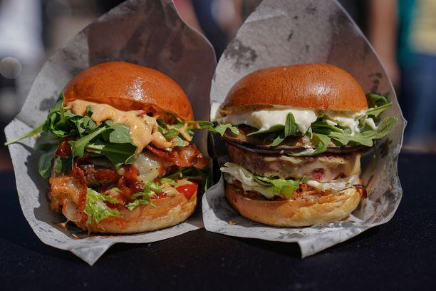 Vantaan Myyrmäen Deluxe Burgersin taidonnäytteitä viime kesän festareilla.