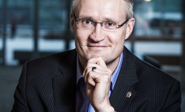 Jarmo Limnéll työskentelee muun muassa kyberturvallisuuden professorina.
