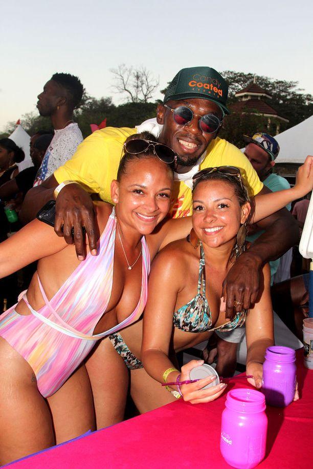 Usain Boltilla riittää daameja Trinidad ja Tobagossa.