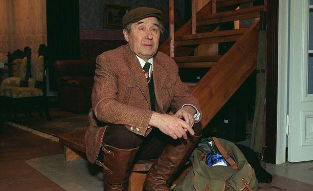 Esko Hukkanen näytteli myös draamasarjassa Elämän suola.