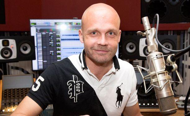Juha Tapio ei pääse esittämään vielä tänään uuden levynsä kappaleita.