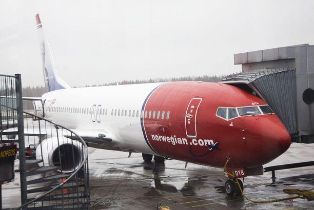 Norwegianin lentäjä poistettiin koneesta puhallutuksen jälkeen Helsinki-Vantaalla viime perjantaina.