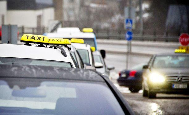 Varsinais-Suomen käräjäoikeus on tuominnut raisiolaisen entisen taksiyrittäjän kahdeksan kuukauden ehdolliseen vankeuteen törkeästä velallisen epärehellisyydestä. Kuvituskuva.