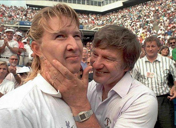 Peter-isä julisti heti Steffi Grafin syntymän jälkeen, että hänen tyttärestään tulee mestari. Kuva vuoden 1999 US Openista.
