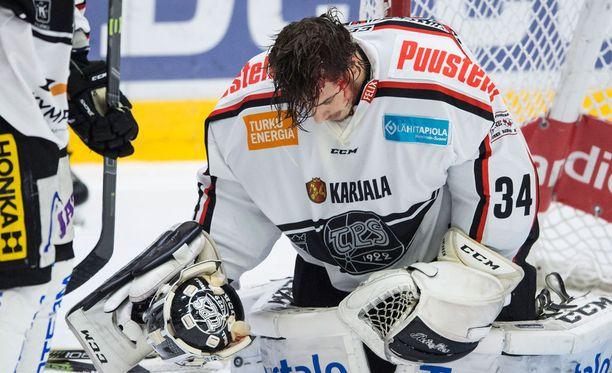 Oskari Setänen sai ilkeän haavan päähänsä.