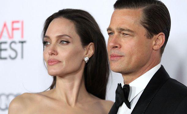 Brad Pitt ja Angelina Jolie rakastuivat Mr. & Mrs. Smith -elokuvaa kuvatessa.
