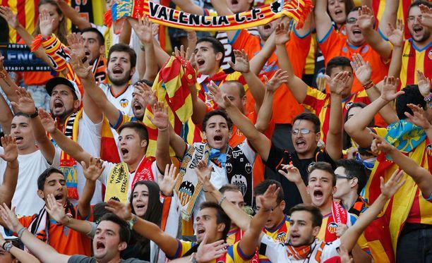Valencian fanit olivat lähteneet sankoin joukoin Monacoon.