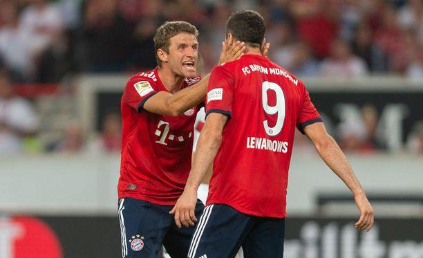 Thomas Müller ja Robert Lewandowski juhlivat villisti Stuttgartia vastaan.
