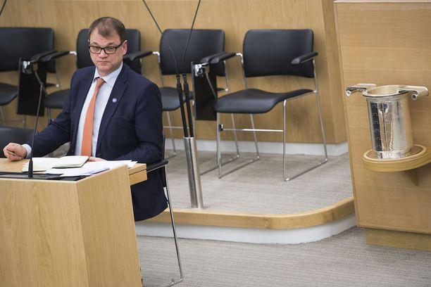 Pääministeri Juha Sipilä vakuutti, että hallitus ei peru ammatillisen koulutukseen kohdistettuja leikkauksia.