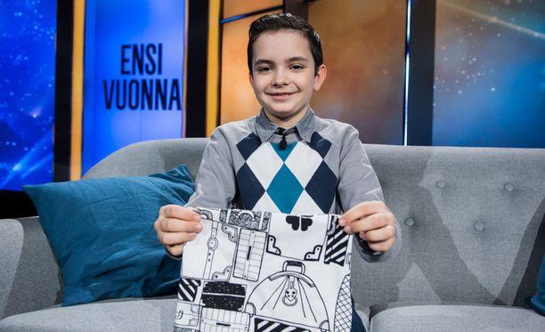 9-vuotias Samuel Åkerlund on jo vanha tekijä muiden auttamisessa.
