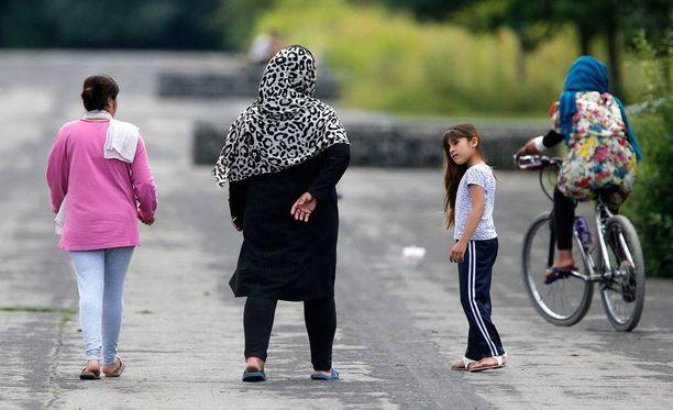 Älypuhelinsovelluksen olisi tarkoitus auttaa niin pakolaisia kuin syntyperäisiä saksalaisia. Kuvituskuva Frankfurtista.