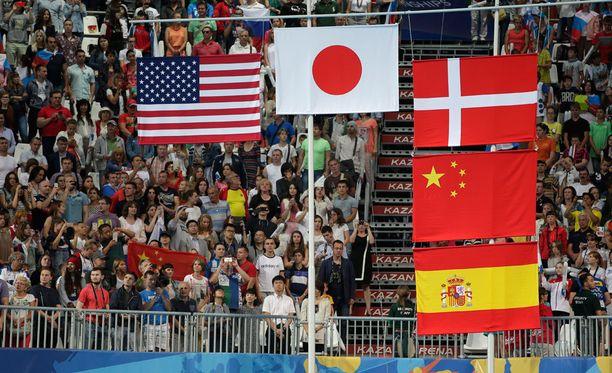 Järjestäjät joutuivat kaivamaan kolmen lipun sijaan viisi lippua palkintojenjakoon.