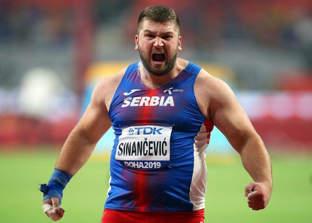 Serbian Armin Sinancevic teki maansa ennätyksen 21,88 Dohan Timanttiliigassa. Pisin kaari mitätöitiin. Arkistokuva.