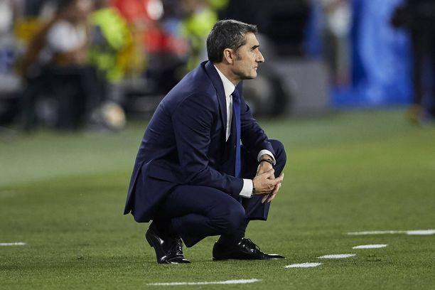 Ernesto Valverdo unelmoi vielä toukokuun alussa triplamestaruudesta. Pelkkä La Liga -pytty ei tunnu riittävän seurajohdolle.