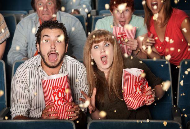 Voi kauhistus, kuinka paljon popcorneissa voikaan olla kaloreita ja suolaa!