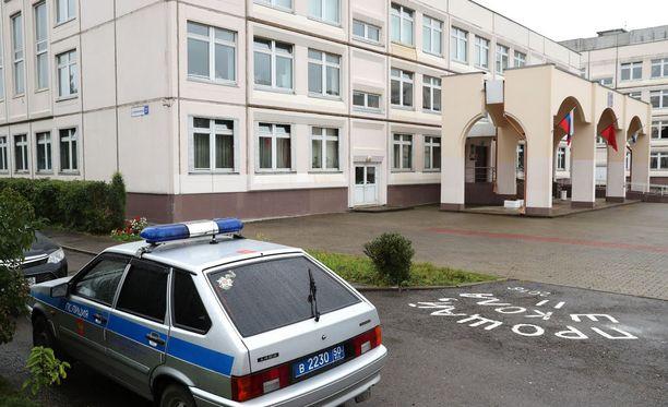 Rikos tapahtui tiistaina aamupäivällä Ivantejevkassa sijaitsevassa koulussa.