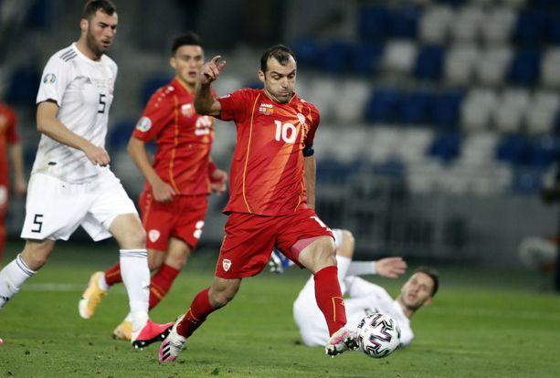Goran Pandev vei maalillaan Pohjois-Makedonian EM-kisoihin.