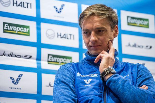 Itävaltalainen Andreas Mitter toimii toista kauttaan Suomen mäkihypyn päävalmentajana.