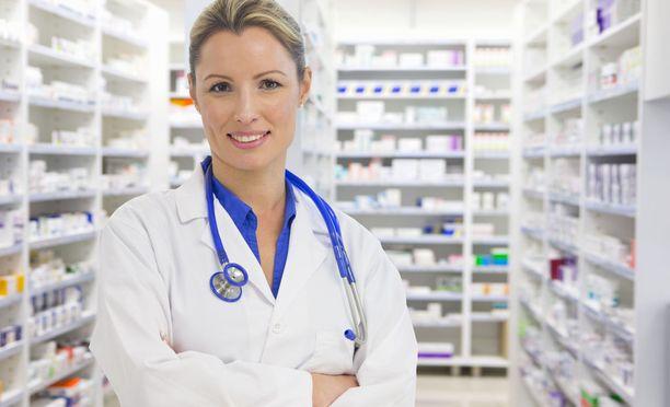 Farmaseuteille on työpaikkoja, ja niihin on myös hakijoita.