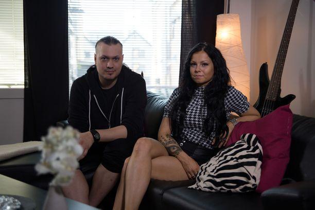 Mika ja Jenni lainailevat välillä toistensa vaatteita tai meikkejä.
