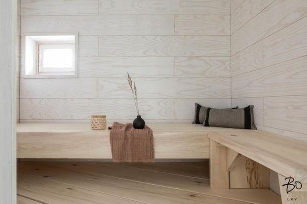 Moderni sauna on kuin luksuskylpylän spa-osastolta.