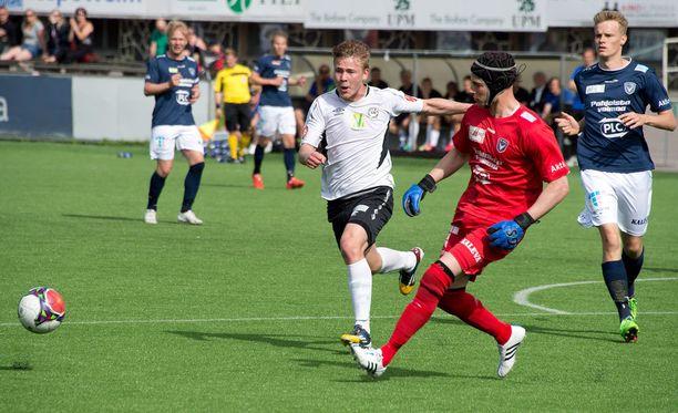 HIFK:n testaama maalivahti Alessandro Marzuoli pelasi viime kaudella AC Oulussa.
