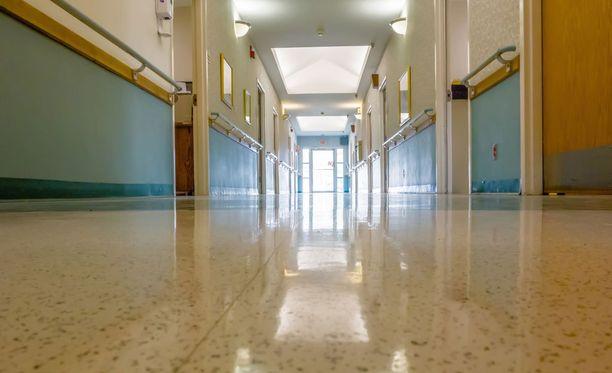 Sairaalan osasto, jolla oireita saaneet työntekijät työskentelivät, on tyhjennetty ja suljettu toistaiseksi. Kuvituskuva.