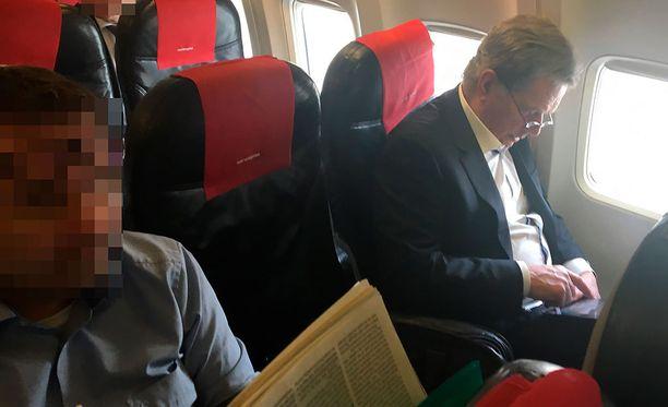 Presidentti Sauli Niinistö lensi Kroatiasta Suomeen Norwegianin reittilennolla.