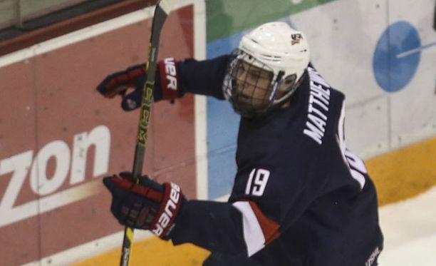 Auston Matthews tuulettaa ensi kaudella maalejaan Sveitsissä.