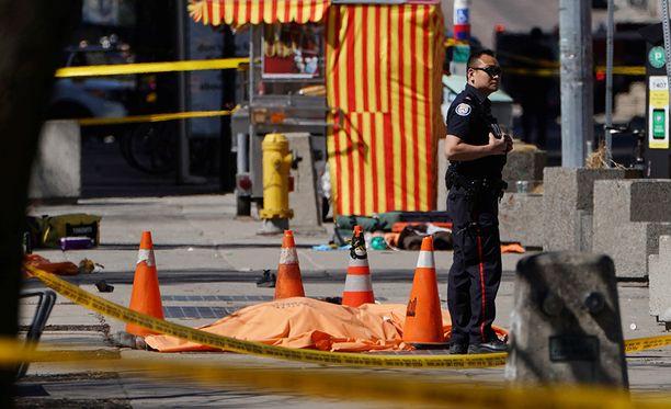 Poliisi ei ole vielä vahvistanut uhrien määrää, mutta useiden ihmisten pelätään kuolleen.