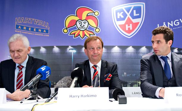 Gennadi Timtshenko (vas.) ja Roman Rotenberg (oik.) ovat Jokerien vähemmistöomistajat, Hjallis Harkimo pääomistaja 51,02 prosentin osuudella seurasta.