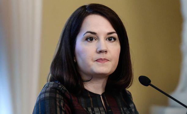 Opetusministeri Sanni Grahn-Laasonen vaatii, että Opetushallituksessa arvioidaan, onko Move-testaus turvallinen oppilaille.