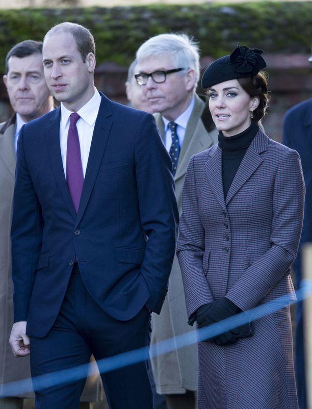 Williamin ja Catherinen lapset George ja Charlotte eivät olleet mukana kirkossa.