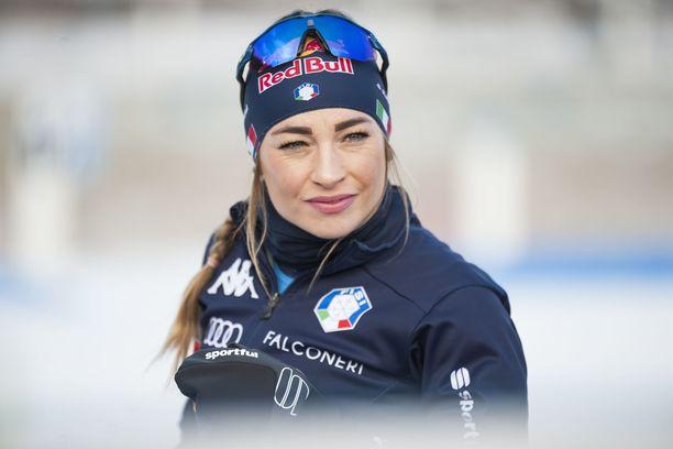 Dorothea Wierer on hiihtänyt tällä kaudella jo 700 tunnin edestä.