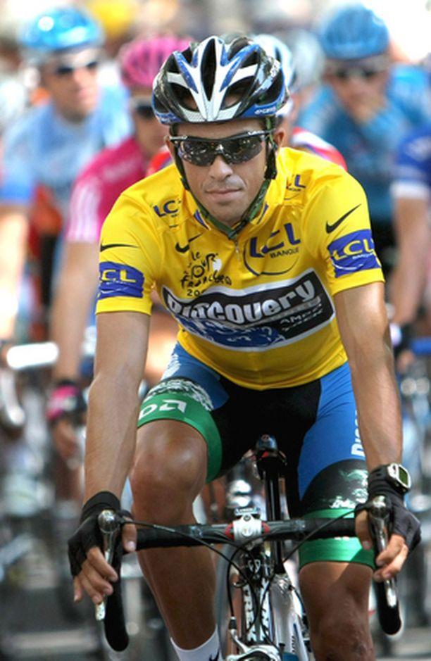 Alberto Contador jäi lauantain aika-ajoissa yli kaksi minuuttia kärjestä.