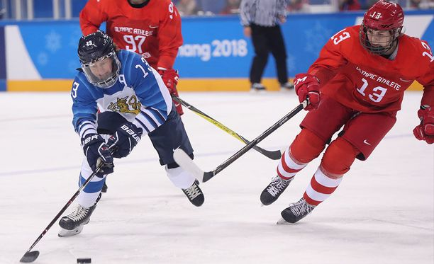 Riikka Välilä, 44, loistaa olympiakaukalossa.