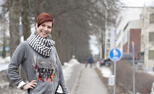 Heidi Kyrö tekee uuden aluevaltauksen näyttelemällä lyhytelokuvassa. Kesällä hänet nähdään myös Tangomarkkinoiden tuomaristossa.