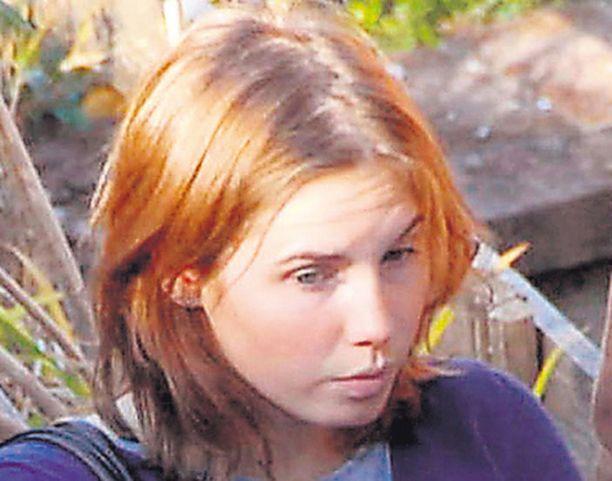 Amerikkalaista Amanda Knoxia epäillään brittiläisen kämppäkaverinsa Meredith Kercherin murhasta.